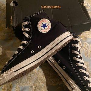 Hi-Top Converse AllStars Size 11 Men / 13 Women